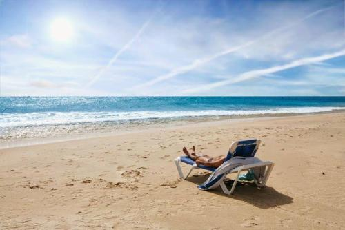 Resting on the beach - Holiday Rentals in Conil