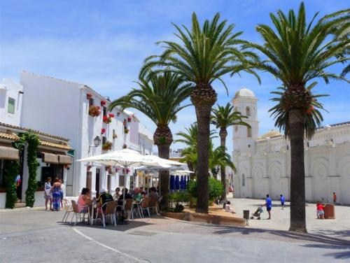 Square in the Urban Center - Holiday Rentals in Conil